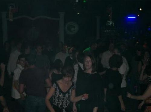 Le madison discotheque cosne d 39 allier for Garage cosne d allier